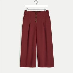 Reitmans burgundy Wide Cropped Pants w/ Button Fly